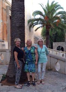 Damengruppe auf Malle